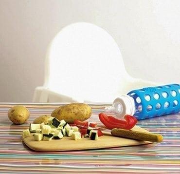 Comment concilier biberons et diversification alimentaire