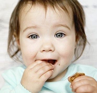 L'alimentation de bébé à 6 mois : les do et les don't