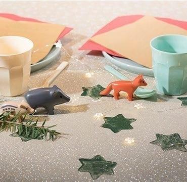 Des pochoirs pour décorer la table de Noël