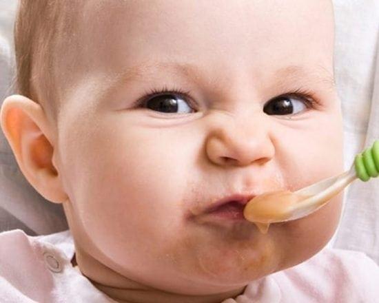 Diversification alimentaire à 6 mois : 7 conseils pour inciter bébé à la découverte