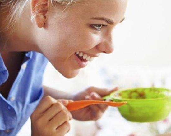 Les repas de bébé : moments d'éveil et de détente