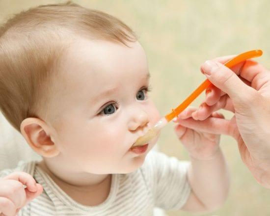 Diversification alimentaire et allaitement : quand et comment ?
