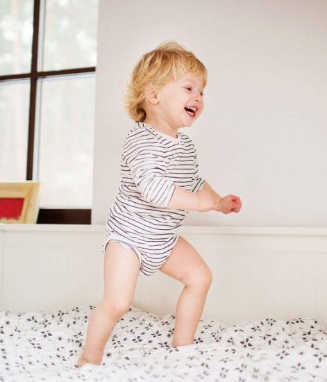 Couette et oreiller : à partir de quel âge pour bébé ?