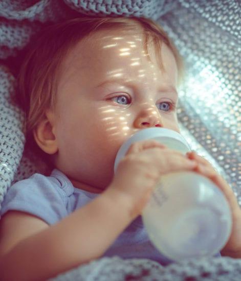 Que faire quand bébé refuse le biberon ?