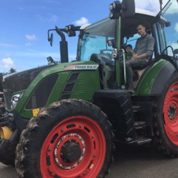 Pourquoi ne pas en profiter pour passer son permis tracteur ?